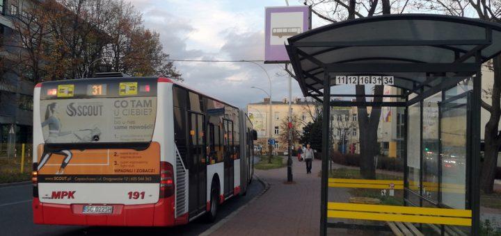 Autobus przegubowy na linii 31
