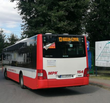 Autobus linii 13 w Wierzchowisku