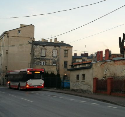 Autobus SU12