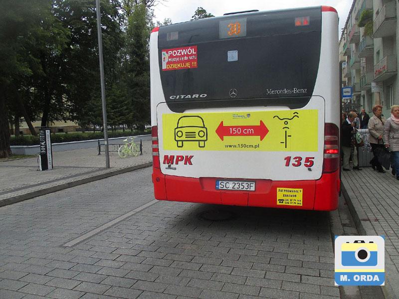 """Afisz kampanii """"150cm dla rowerzysty"""""""