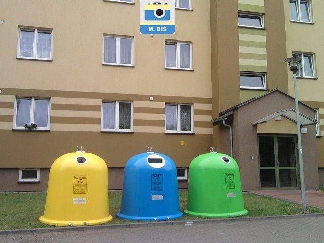 Pojemniki na śmieci | fot. M.Biś