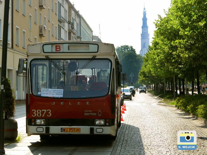 Autobus okazjonalny w III alei