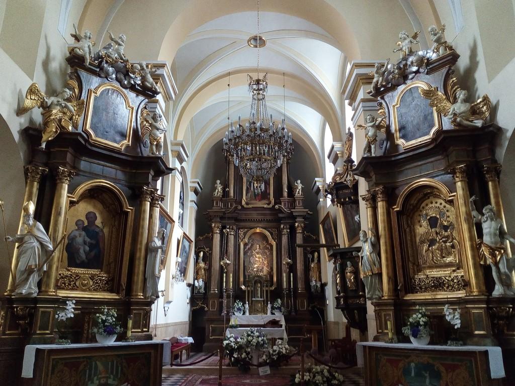 Kościół św.Barbary i św.Andrzeja - ołtarz